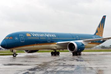 Bật lửa đốt khăn trên máy bay, nam hành khách bị phạt 2 triệu đồng