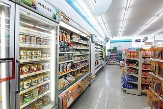 FMCG sales in Vietnam's convenience stores grow strongly: Nielsen report