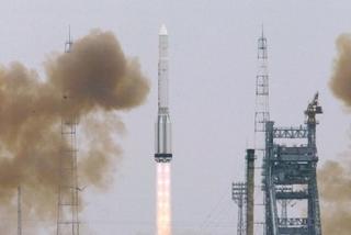 Lầu Năm Góc cấm công ty Mỹ mua vệ tinh Nga