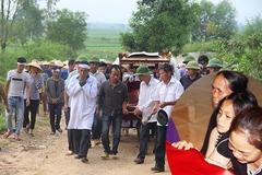 Quê lúa khóc thương tiễn đưa 5 học sinh bị đuối nước