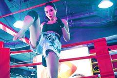 """Linh Miu để lộ hình xăm """"chỗ hiểm"""" khiến dân mạng chỉ trích"""