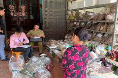 Ngang nhiên bán dược liệu không rõ nguồn gốc tại chợ