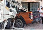 Xe tải tông hàng loạt ô tô, xe máy ở Bình Thuận