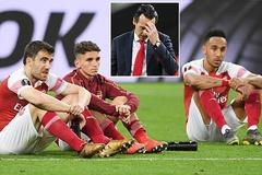 """Arsenal """"đập đi xây lại"""", MU bất đồng vì Alderweireld"""