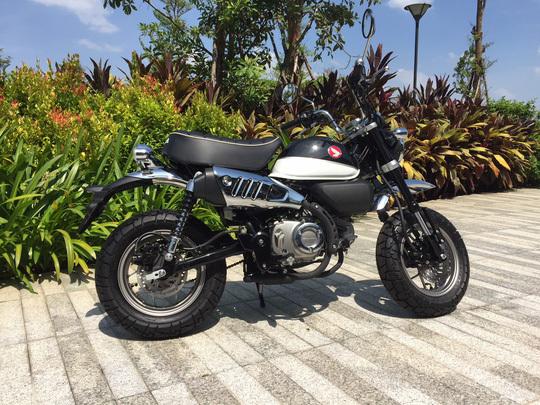 Thị trường Việt Nam ngày càng xuất hiện nhiều mẫu xe máy lạ