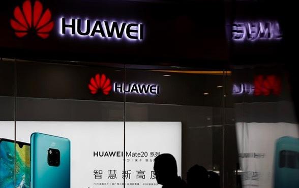 Nhân viên người Mỹ bị Huawei 'đuổi' về nước