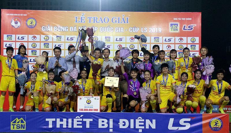 Phong Phú Hà Nam lập cú đúp vô địch