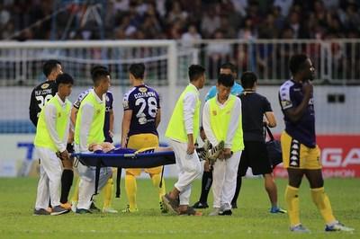 Vòng 12 V-League: TPHCM ngã ngựa, Đình Trọng lỡ King's Cup,