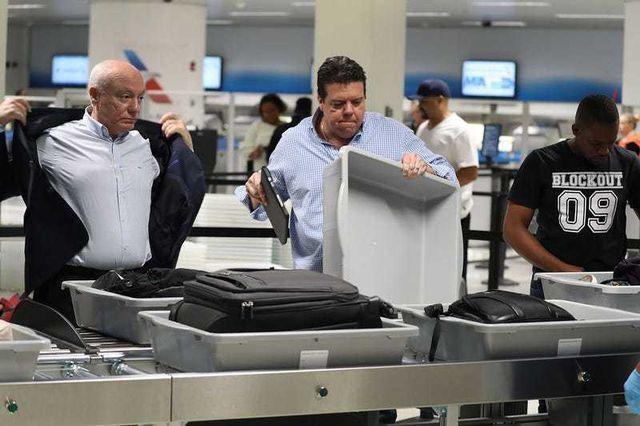 Du khách,Hàng khách,Khách du lịch,Máy bay,Sân bay