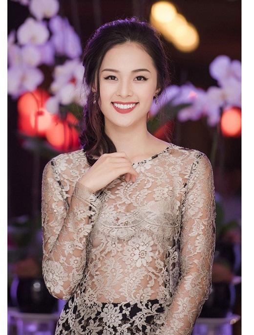 Tăng Thanh Hà,Trần Tiểu Vy,Hồng Nhung,Linh Nga