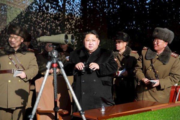 Kim Jong Un bất ngờ thăm nhà máy tên lửa đạn đạo