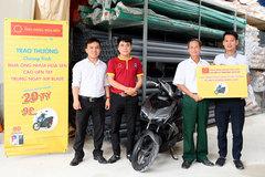 Nhiều khách mua ống nhựa Hoa Sen trúng xe AirBlade, Iphone X