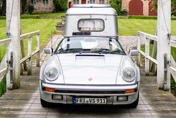 Ngắm Porsche 911 cổ điển độ thành xe cắm trại siêu độc