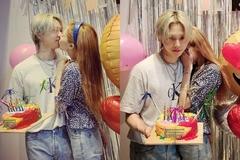 'Nữ hoàng quyến rũ' HyunA không ngừng ôm ấp, hôn hít tình trẻ