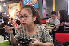 Quang Hải trêu bạn gái 'dạo này gầy lắm' nhân ngày Quốc tế Thiếu nhi