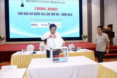 Rút tác phẩm 'Thâm nhập băng nhóm bảo kê ở chợ Long Biên' khỏi Giải báo chí QG