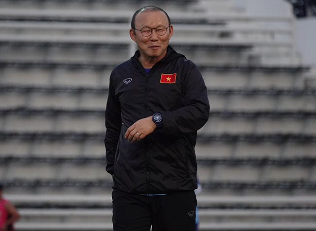"""Tuyển Việt Nam """"vồ hụt"""" Filip Nguyễn, thầy Park có buồn?"""