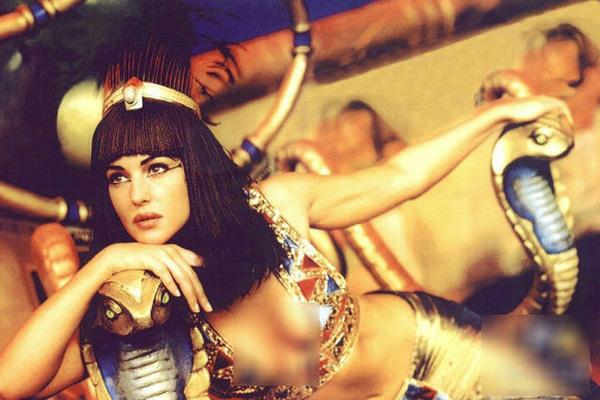 Nữ hoàng Ai Cập ham sắc dục và độc chiêu khiến đàn ông 'say như điếu đổ'