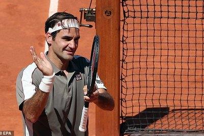 """Federer """"tốc hành"""" vào tứ kết Roland Garros"""