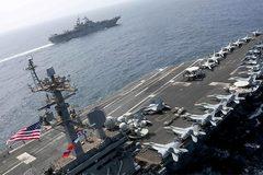 Tàu sân bay, chiến cơ Mỹ rầm rập tập tấn công gần lãnh hải Iran