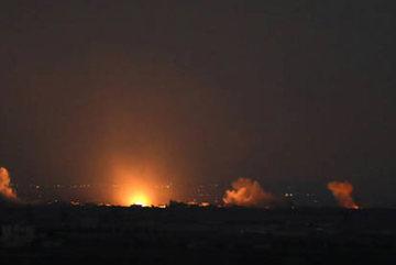 Israel cấp tập oanh kích Syria, dọa Iran hứng hậu quả