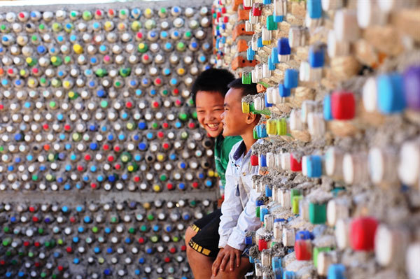 Ly Son Island,build house from recycled plastic bottles,homestay,environmental protection,social news,english news,Vietnam newsvietnamnet news,Vietnam latest news,Vietnam breaking news,Vietnamese newspaper,Vietnamese newspaper articles