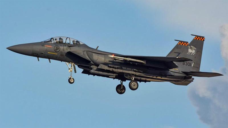 Singapore điều chiến cơ áp tải máy bay khách vì bị dọa bom