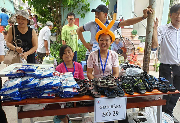 chợ 0 đồng,chợ cho người nghèo,chợ Tết,quà cho người nghèo,bệnh nhân nghèo