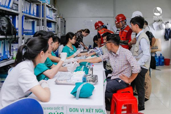 Doanh nghiệp mang cả bệnh viện về khám sức khỏe cho nhân viên
