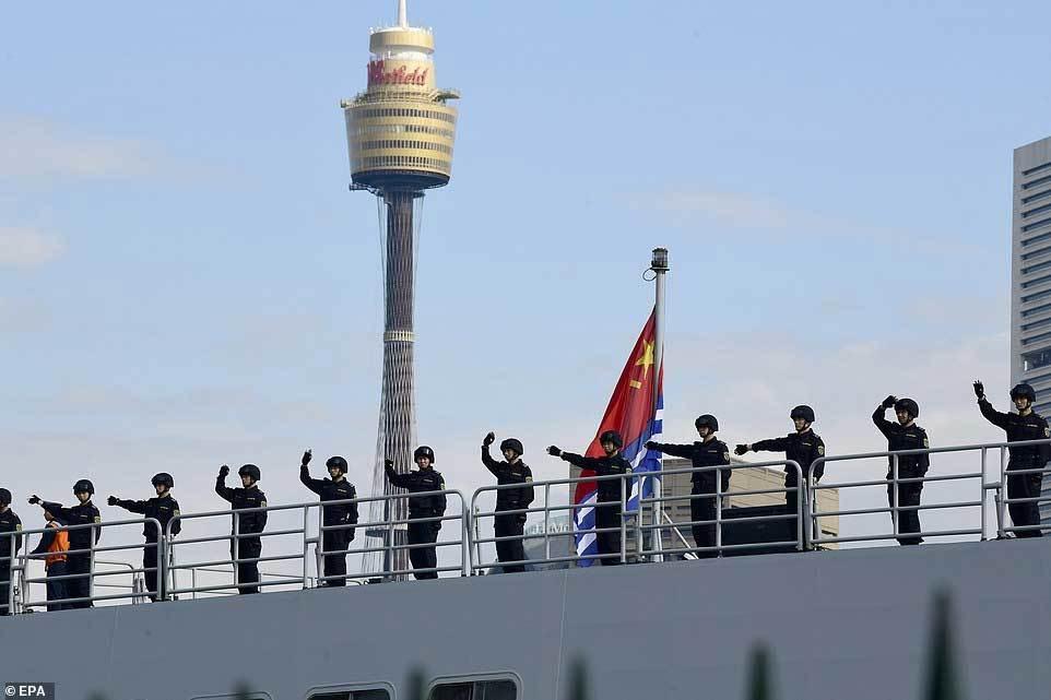 Tàu chiến TQ bất ngờ ghé cảng Sydney, dân Australia ngỡ ngàng