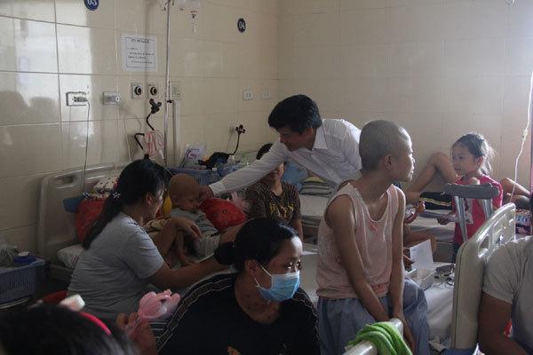 Tết thiếu nhi,bệnh nhi,bệnh viện K Tân Triều