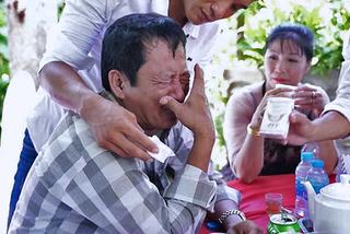 Video cha bật khóc trong đám cưới con gái đầu lòng khiến người xem thổn thức