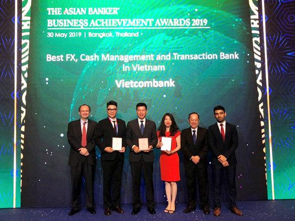 Vietcombank nhận 3 giải thưởng từ The Asian Banker