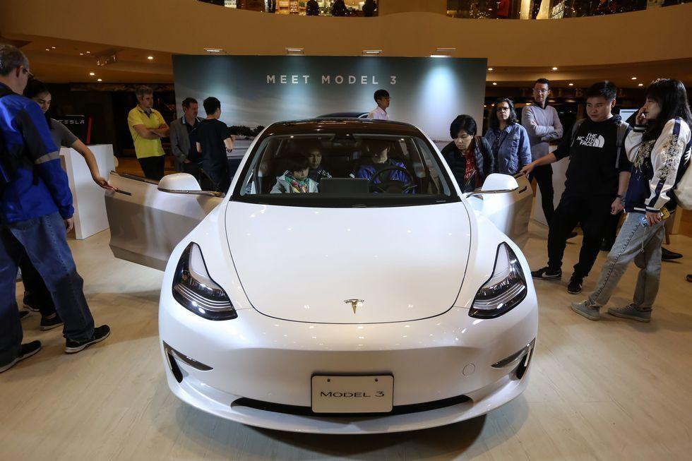 Tesla Model 3 được sản xuất tại Trung Quốc, giá rẻ hơn 140 triệu đồng