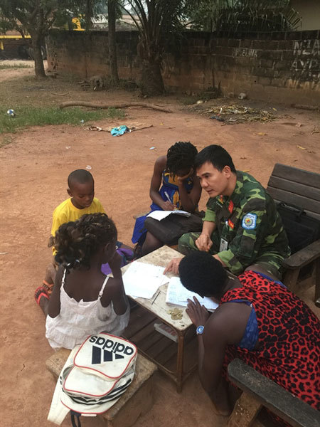 Vietnamese UN peacekeeper gives CAR kids chance to learn