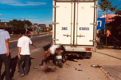 Tông xe tải đang đỗ, thanh niên Hà Tĩnh tử vong