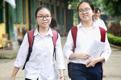 Đề thi môn Toán vào lớp 10 chuyên Tin tại Hà Nội