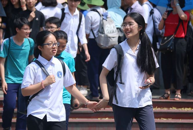 Vietnamese students unhappy about the number of entrance exams they need to take