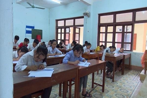 Xôn xao đề thi môn văn vào lớp 10 giống hơn 80% đề kiểm tra học kỳ lớp 9