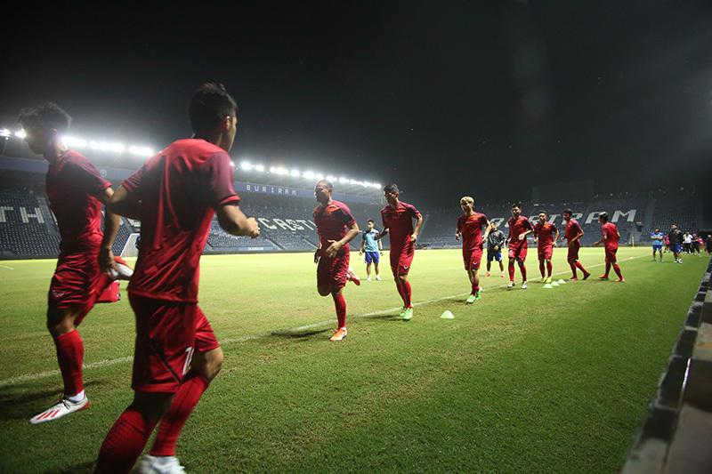 Công Phượng tập miệt mài, tuyển Việt Nam sung mãn chờ đấu Thái Lan