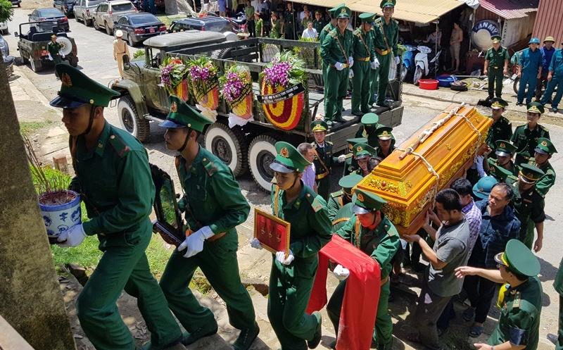 Nghẹn ngào tiễn đưa Thiếu tá biên phòng Thanh Hóa hi sinh khi bắt ma túy