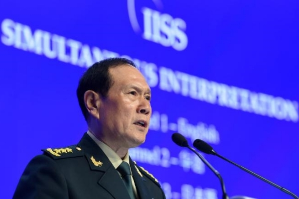 Mỹ - Trung đối đầu, châu Á loay hoay đứng giữa