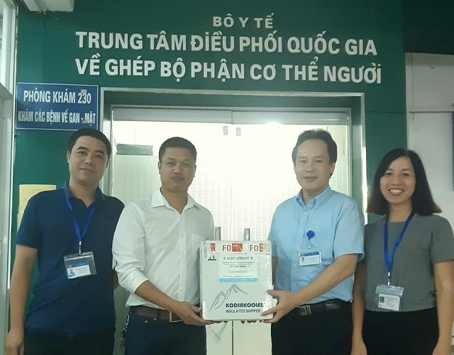Americans donate corneas to help bring back the light for 10 Vietnamese