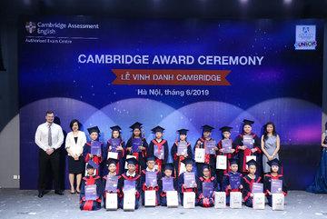 Apollo Việt Nam vinh danh học viên đạt chứng chỉ Cambridge