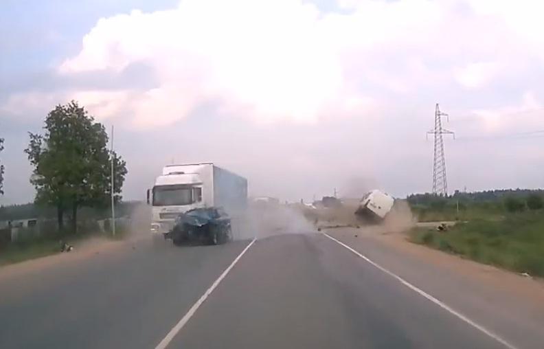 tai nạn,đường cao tốc,xe crossover Hyundai