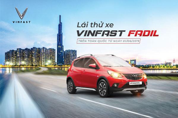 Lái thử xe VinFast Fadil: 'Động cơ tốt, không gian thoải mái'