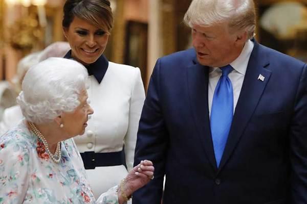 Ông Trump được vợ cứu đúng khoảnh khắc quan trọng