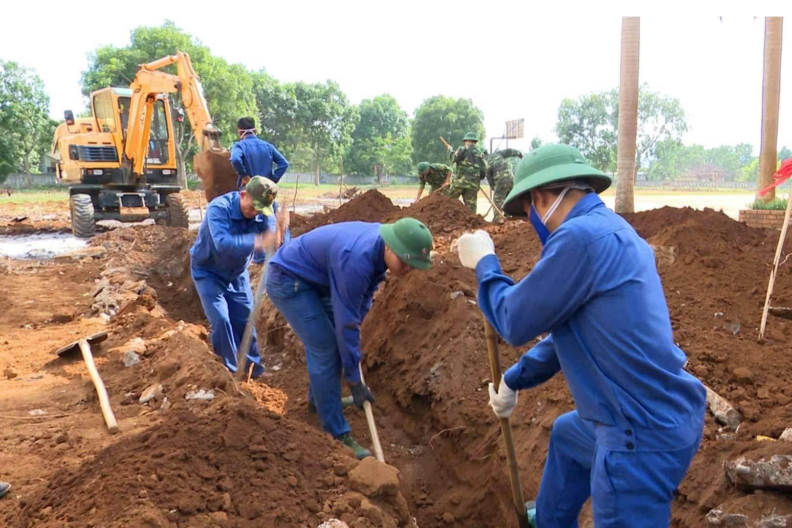 Tìm thấy 3 bộ hài cốt trong trường học ở Quảng Trị