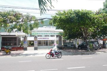 Nhà mẹ Phó giám đốc Sở ở Bình Định luôn có người 'trực' đòi nợ