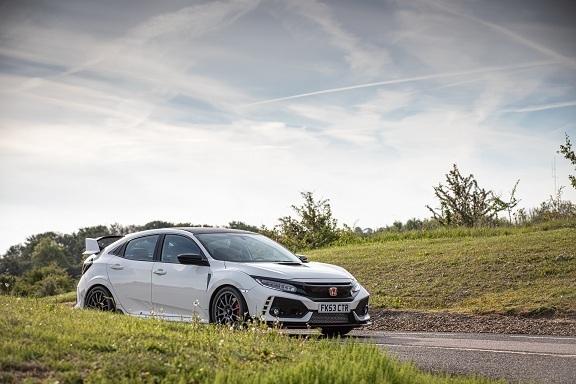 Chiêm ngưỡng cặp đôi Honda Civic 'độ' độc bản
